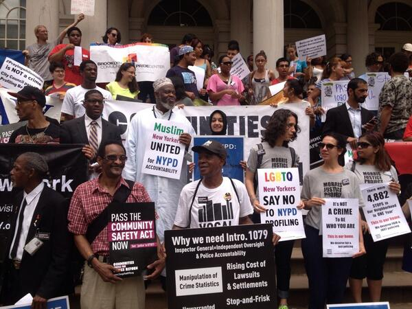 This is New York. Black, White, Asian, Latino, Muslim, Gay, Straight, we r here 2 say #passtheCSA #changetheNYPD pic.twitter.com/Rx0oeswzE1