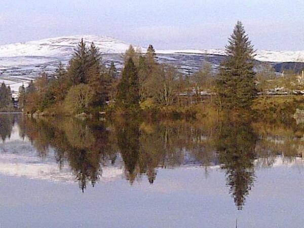 A2 Admiring Lintrathen Loch not far from my home gorgeous #ScotlandHour pic.twitter.com/gmHAp5Mp76