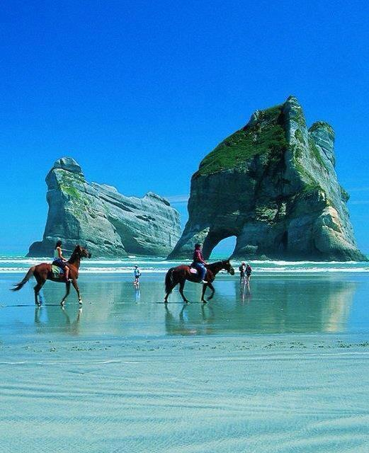 Golden Bay, New Zealand. http://t.co/6oiRSu24Kc