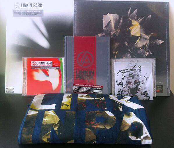 Want to see @LinkinPark headline #SSMF? RT to enter for a pair of tix to the 8/3 street fest & all this LP merch! http://t.co/gdPifw1C4W