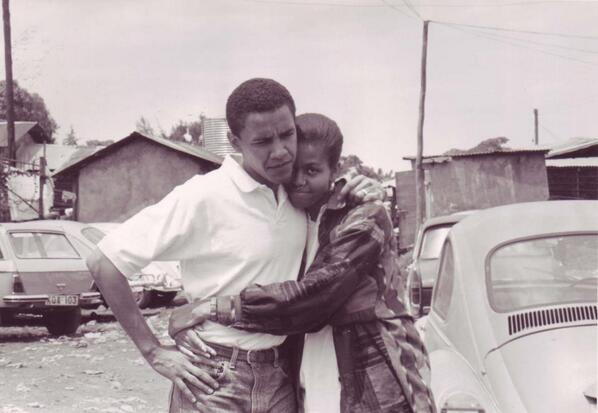 Barack and Michelle. #ThrowbackThursday #TBT pic.twitter.com/c64XhRVBUd