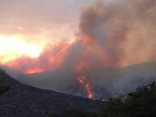 #YarnellFire grows to more than 200 acres; evacuation center set up at Yavapai College. on.abc15.com/12wU8QC pic.twitter.com/nsOrzO7cPj