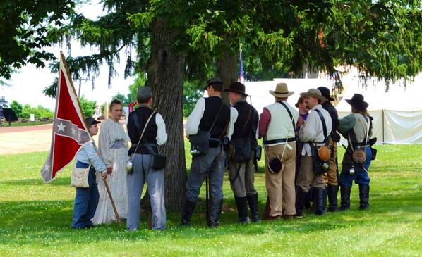 Waiting for the battle to begin. #gburg150 pic.twitter.com/mgp1udZG8Q