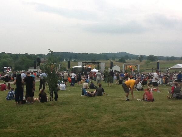 Awesome scene the battlefield monument to sweet strains of 'marching along' #gburg150 pic.twitter.com/lRJoqpc7qb