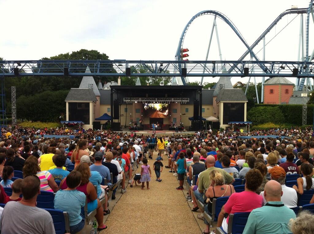 Busch Gardens Williamsburg Va Jun 30 Scotty Mccreery