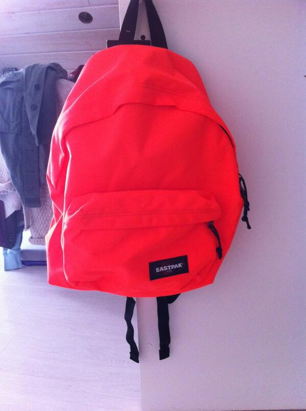 Orange Acheté Fluo Parce Chappie Eastpak Un J'ai Twitter J On Que xYTpwqTg