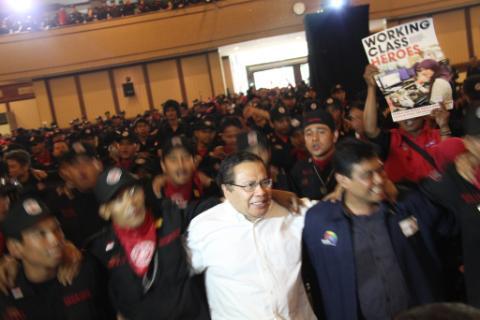 Perjuangkan UMP Rp3,7 jeti: Di Facebook, Buruh Dukung Said Iqbal Maju Capres 2014?