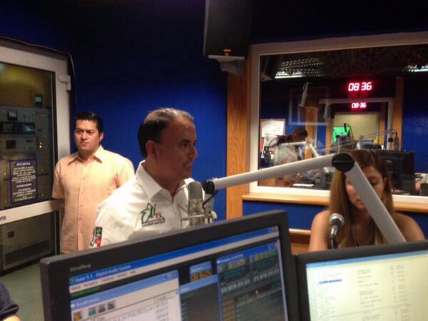 Iniciando agenda con una entrevista en el programa Con Sentido de Antonio Magaña. http://t.co/jUvQd9jq83