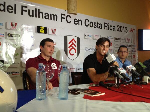 En la presentación oficial de la llegada q hará el Fulham. Un orgullo de q vengan y recibirlos  en Costa Rica... pic.twitter.com/oaiYbH9GLK
