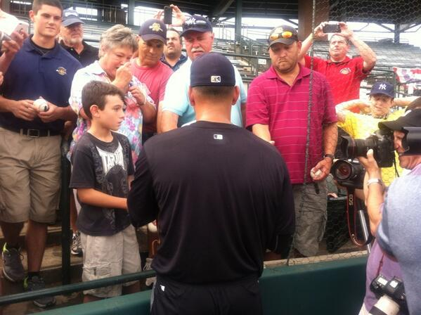 #ARod signs autographs for #RiverDogs fans pic.twitter.com/phgV1llTvD