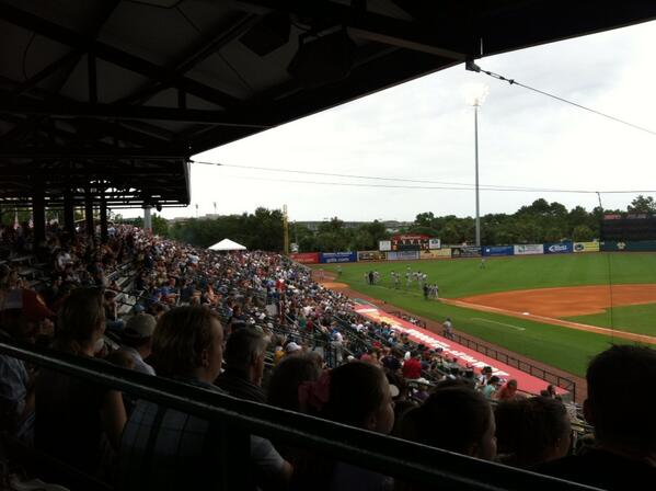 The Joe is packed with pinstripes tonight #arod #riverdogs pic.twitter.com/jeb7SPw4wV