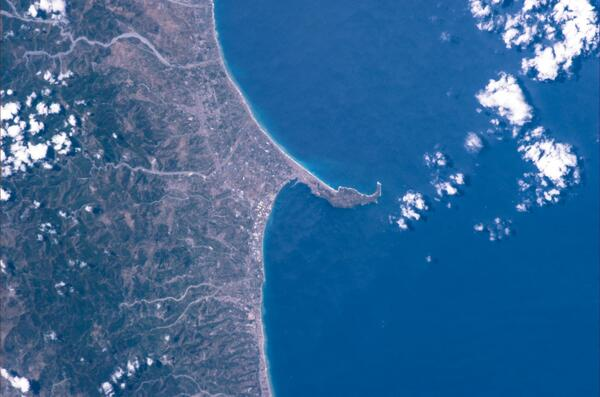 L'inconfondibile silhouette di #Milazzo. Nel '90 ero qui durante i Campionati del mondo! #Sicilia #Volare pic.twitter.com/emnRNix5cb