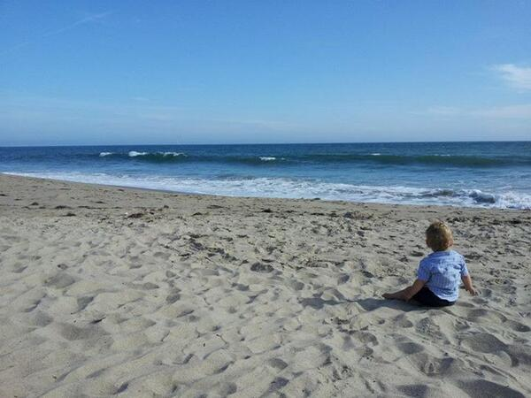 .@kanter May you cherish memories of your dad & appreciate wonders of the ocean. Pic: my son's 1st sight of Pacific. pic.twitter.com/b7TqHcUx7x