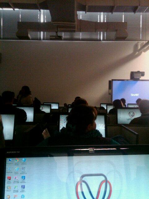 Sarietjies animation class #schoolnetsa pic.twitter.com/zzj5ToHX9P