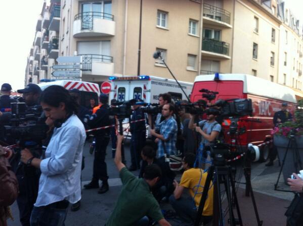 """""""@France3Paris: #Bretigny De nombreux journalistes sur place http://pic.twitter.com/29RaGxpMsB"""""""