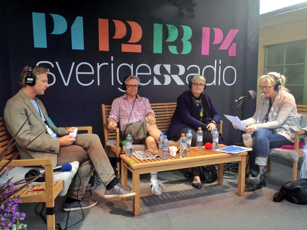 Panelen i Studio Ett - Ekots Tomas Ramberg, mediekonsult Staffan Dopping och Mediekonsult Staffan Dopping - med programledare Helena Groll.