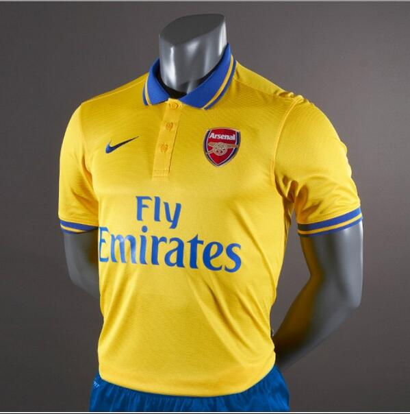 BObZN98CcAA9LNu Leaked! This picture is the new Arsenal away kit (released on Tuesday)