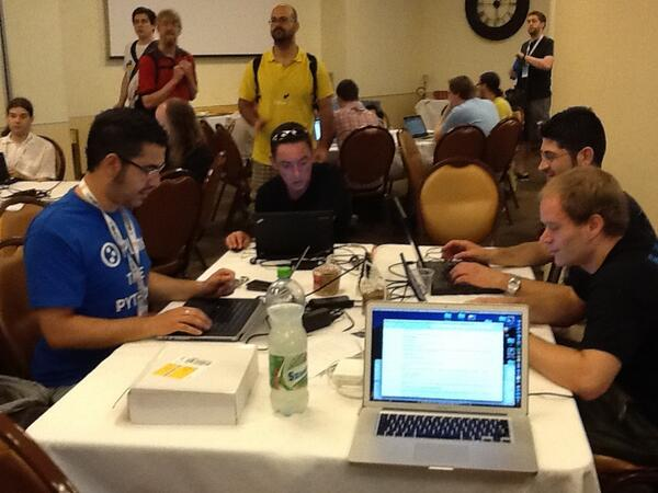 sprinters ready to rock and roll #plone #EuroPython pic.twitter.com/uc4Mz9pdLm