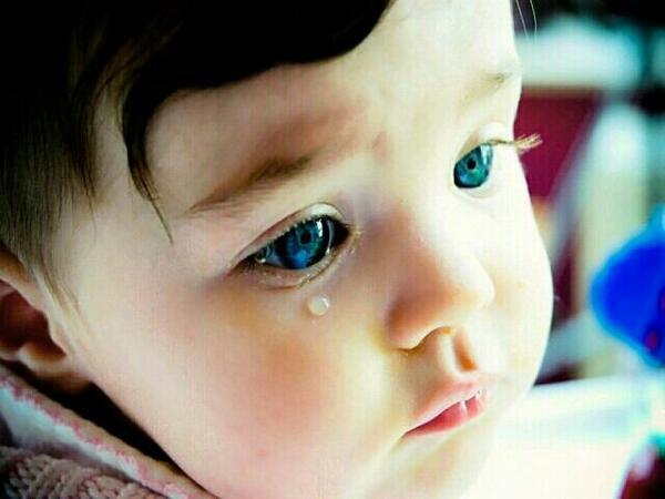 赤ちゃん画像bot 癒されたらrt בטוויטר 泣いてる外国人 可愛いと