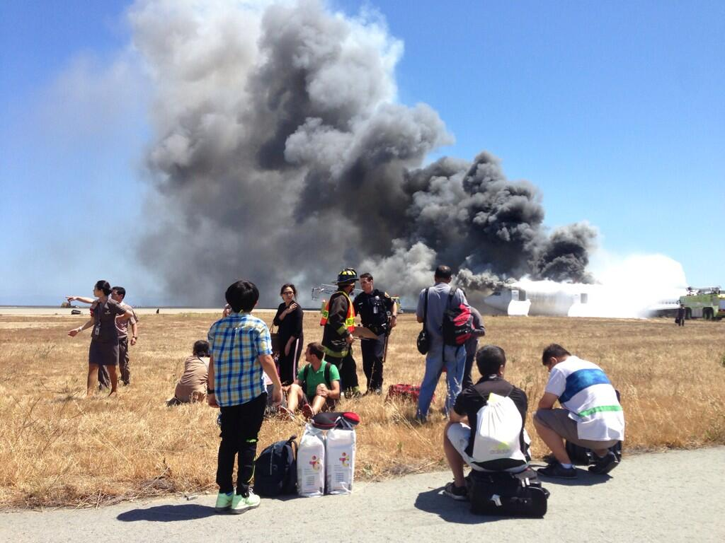 From Twitter:  @BenLevy74 who was on the plane that crashed in SF pic.twitter.com/XfGQQjIFUT h/t @joshlevscnn #SFO #777