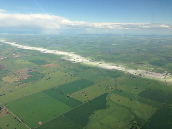 This is so cool! MT @miasosiak: Saturday's hailstorm in Airdrie area, courtesy of Cpt. Daryl Frank, Jazz Aviation. http://t.co/HYT75uHDyT""