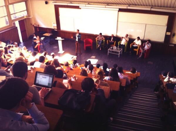 C'est parti pour la conférence sur les stratégies de contenu par @scoopit #scmw2013 pic.twitter.com/CQnFFrluH4