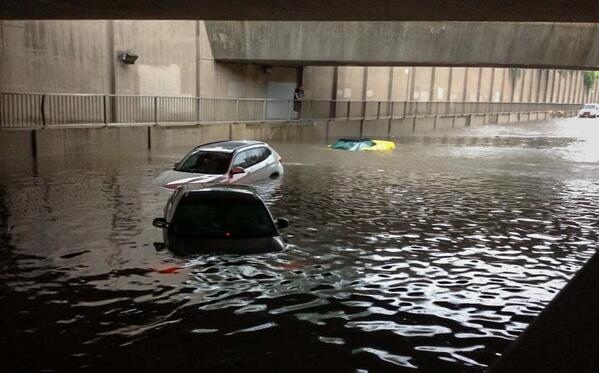 Wow. My friend Holly snapped this of submerged Corvette #stormTO Flash flooding hit the west-end & 427 real hard. pic.twitter.com/iNuxrwNOCL