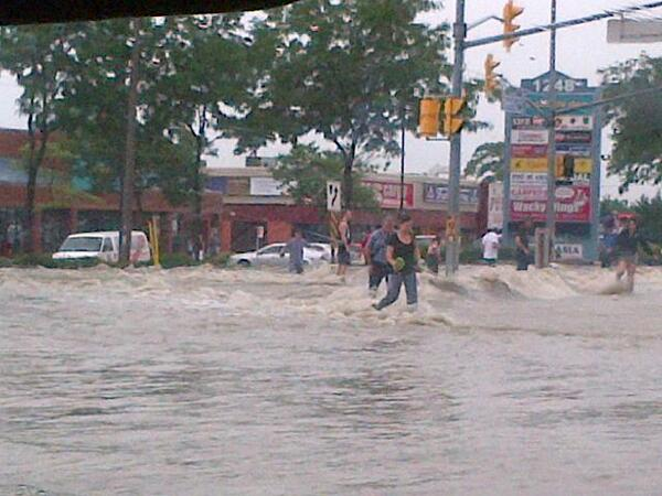 .@T_Reyes: The scene at Dundas/Dixie in Mississauga #flood24 #toronto #flood pic.twitter.com/XuwgmHc65F : Woah! that's a lot of water!