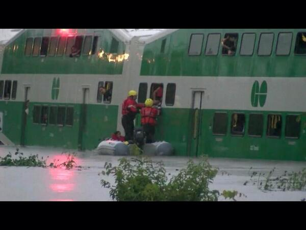 Marine unit in action at flooded GO Train pic.twitter.com/Bp2vUQkfeD via @ScottyTWN #floodTO #StormTO #onstorm