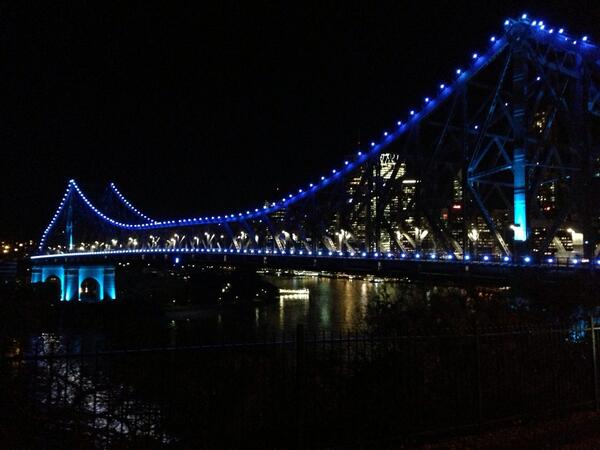 The Story Bridge in Brisbane lit up baby blue for the heir to the Aussie Throne. #auspol http://t.co/N4ECSZ659Q