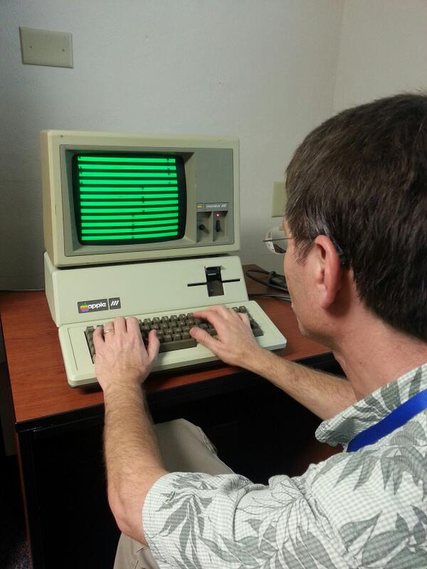 Martin Haye hacking away at the #Apple /// graphics modes. #A2Kfest pic.twitter.com/Y5Jsvo9W5x