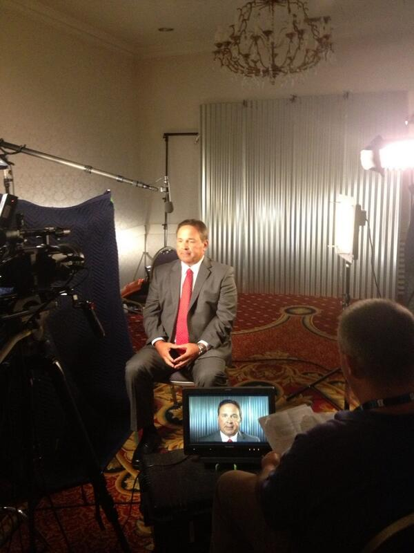 2 more interviews to go today - been a gr8 day talking #iufb pic.twitter.com/avzQ3mstxt