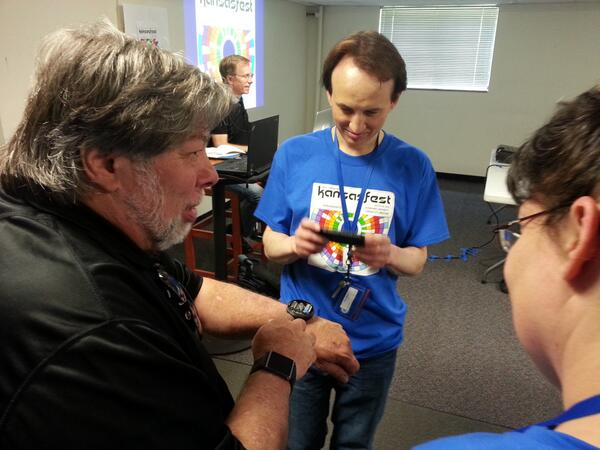@stevewoz at KansasFest, demonstrating the intricacies of his #Nixie tube watch. #a2kfest pic.twitter.com/jkTygnv7d4