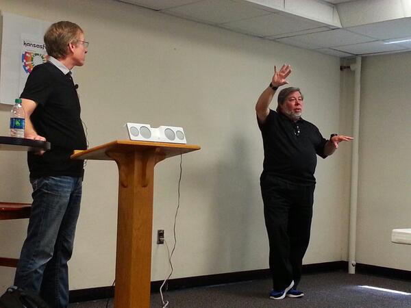 Randy Wigginton and @stevewoz doing a post-keynote Q&A at KansasFest 2013. #a2kfest pic.twitter.com/53xBfkLgCv