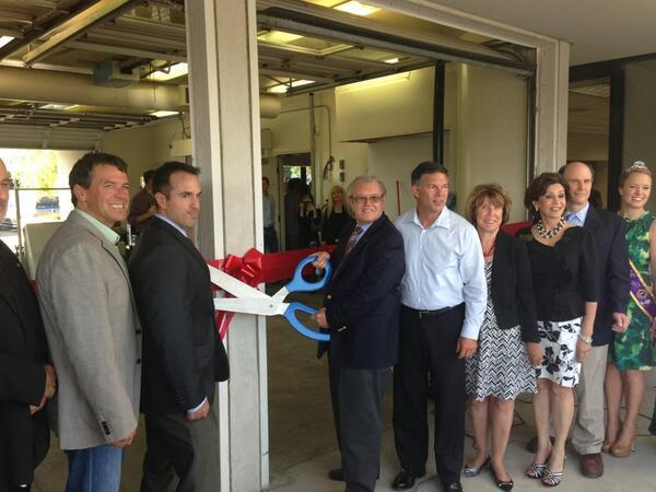 Ribbon cutting at @biotechbeyond with @KevLustig, Joe Jackson and the Mayor of Carlsbard. #btnb pic.twitter.com/QJtLJJqQXt