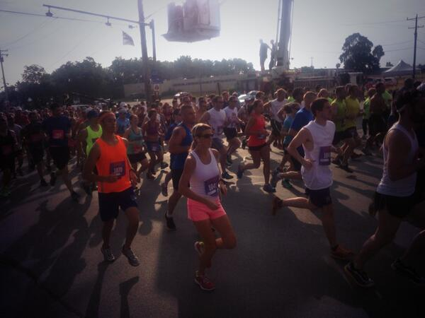 And they're off! 14,000 runners take off from the start line if #Boilermaker2013 pic.twitter.com/t9f6QlI0iL