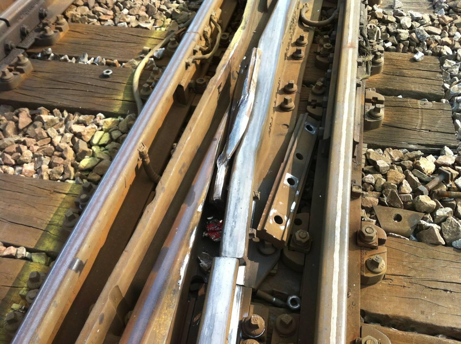 Attaques, vols, agressions, etc, sur lignes SNCF, RER, etc BPJHsazCYAAHmJu