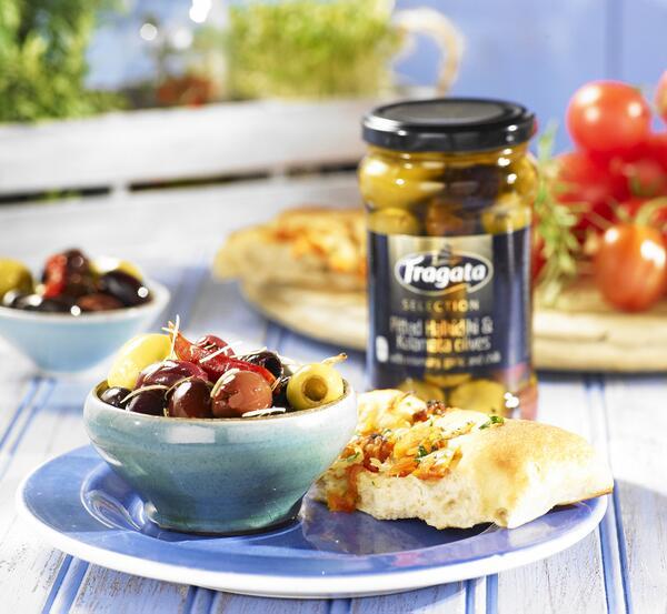 Add @FragataUK Halkidiki and Kalamata olives with chilli, garlic and rosemary to perk up any pasta dish! pic.twitter.com/cMsbrfv987