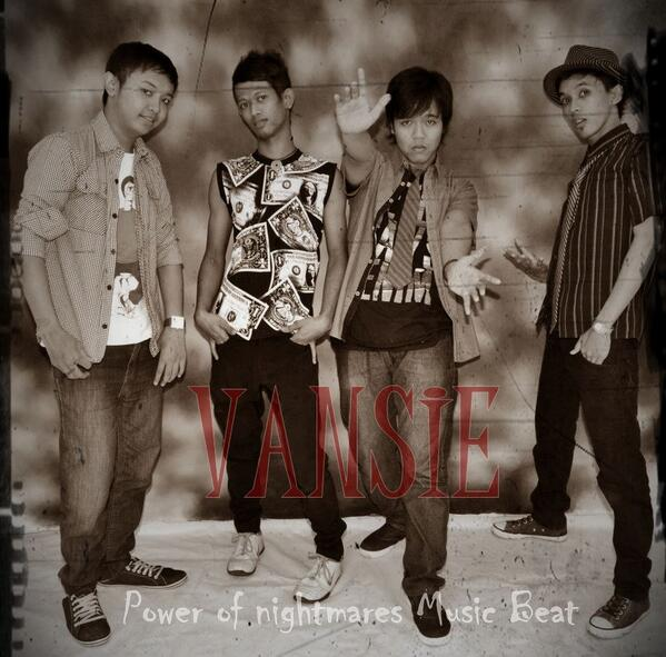 f93f2e7588 VANSIE BAND OFFICIAL ( Vansie Band)