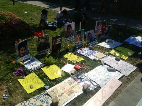 A memorial in Gezi park to those who died in the protests. pic.twitter.com/CWPwBnf4Oo