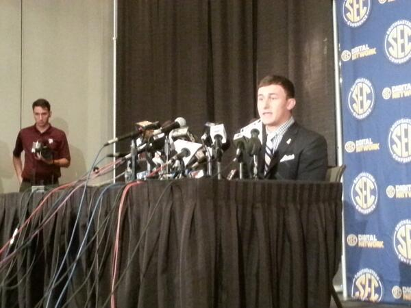 Manziel on to TV room 2. http://pic.twitter.com/1GZfKnFbc1