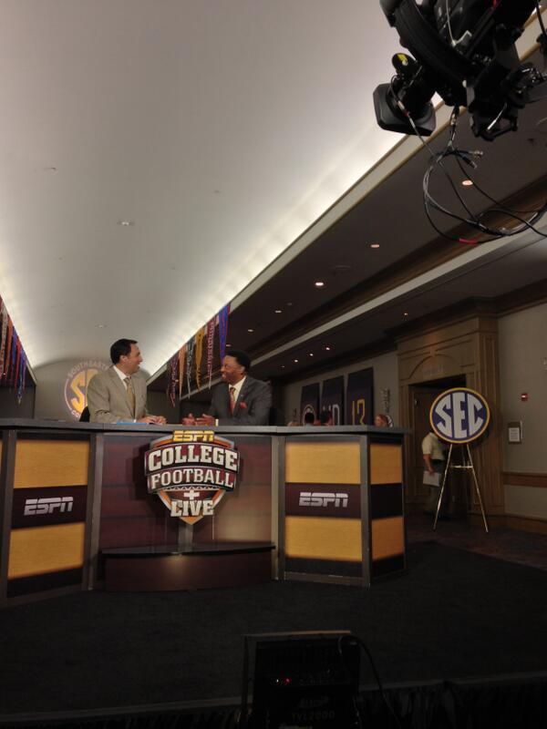 Coach Sumlin on the set of College Football Live. #SECMediaDays http://pic.twitter.com/BvDe00myZw