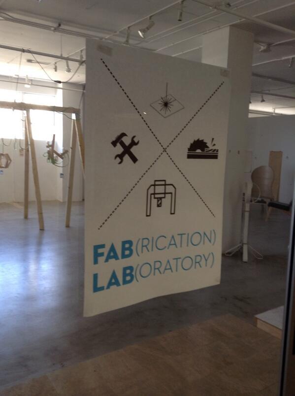Bon l'aprem en semaine le FabLab et le makerspace c'est mort.. Plus personne.,. #hyphdus pic.twitter.com/my9gqiuGzR