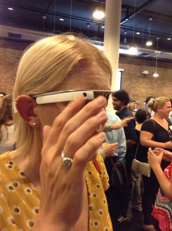 Editor @mjenkins demonstrates Google Glass at Mega Media Mixer in Lower Manhattan. http://pic.twitter.com/xHhyfO7Xbl