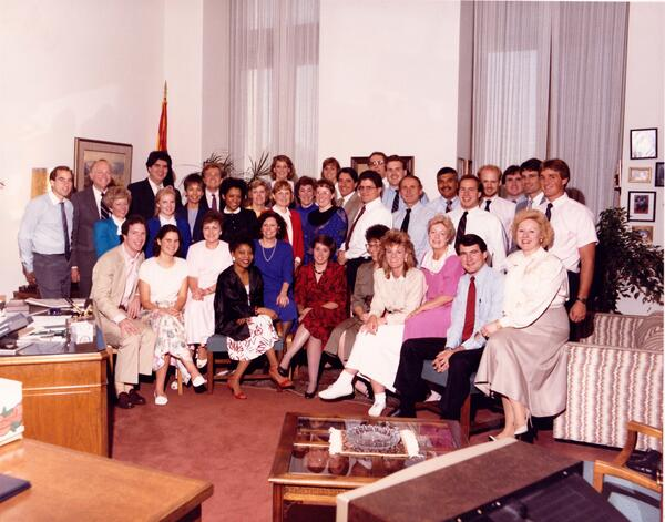 #throwbackthursday.  AZ Sen DeConcini staff. Intern Flake a right, next to Tim Roemer. #shortsleeves #80shair pic.twitter.com/Cs7LOr5Ihz