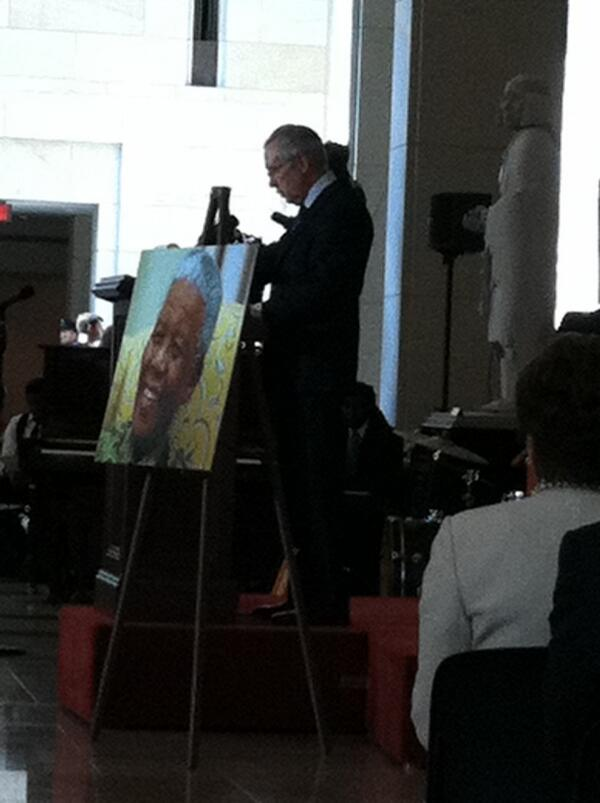Watching @SenatorReid speak at the Congressional ceremony celebrating Nelson #Mandela today on his 95th B Day! pic.twitter.com/xHuYe4jnap