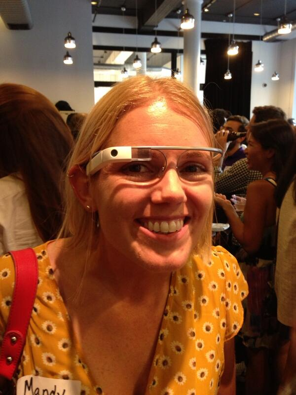 Great meeting @mjenkins . & @robyntomlin who let me try their Google Glass at @ONAnyc @newscred @aaja mixer http://pic.twitter.com/774l2t65Bp