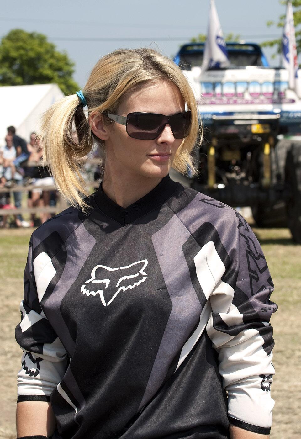 lisa kelly  twitter   wrong  motocross gear teamlisa irt httptcouuuwogl