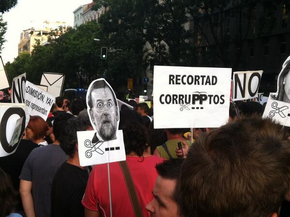"""¡Rajoy y Cospedal a Soto del Real!"" #BarbacoaDestituyente pic.twitter.com/AvxDWGLv6K"