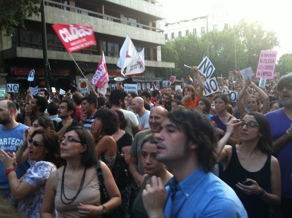Pitada monumental (me acabo de quedar sorda) #BarbacoaDestituyente pic.twitter.com/6AgD1GoC6A